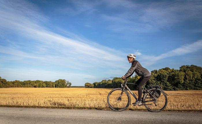 Cykla öster om Visby